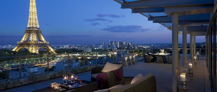 Hotel Shangri-la.com, Paris Review