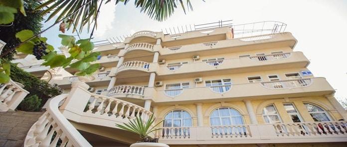 Nairi Hotel Review