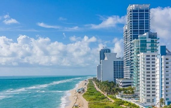 Explore the happening city of Miami