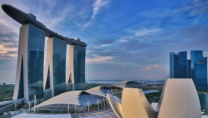Where should you stay in Singapore ?
