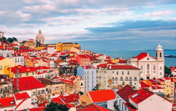 Guide To Spend Amazing Days in Lisbon